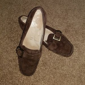 UGG Brown Suede Driving Moccasin Loafer Size 6